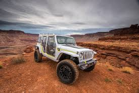 jeep concept 2017 wallpaper jeep 2017 safari concept white automobile