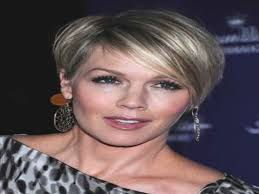 gorgeous hairstyles for older women short haircuts straight