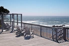 the submarine beach house rental a1 beach rentals lincoln city
