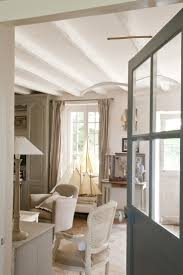 Deco Moderne Dans Maison Ancienne by Jolie Maison De Campagne Au Design Romantique En France Vivons
