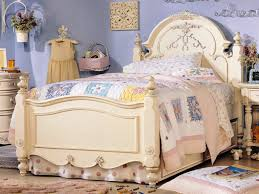 Victorian Bedroom Furniture by Victorian Bedroom Themes Artistic Victorian Bedroom Furniture