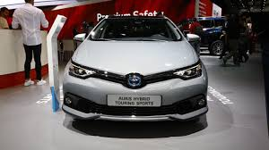 auris toyota auris sports touring freestyle debuts with cosmetic tweaks
