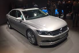 volkswagen phideon interior new vw phideon stretches out at geneva 2016 auto express