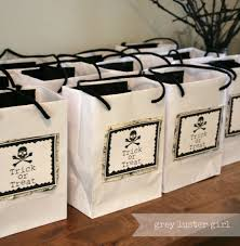 21 halloween party favor and treat bag ideas entertaining make a