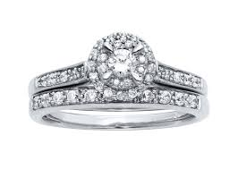 wedding band with engagement ring should i consider an engagement ring with a matching band