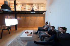 modern wall clock interior design ideas