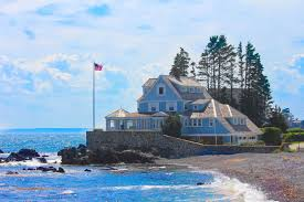 Seaside Cottages in Maine USA