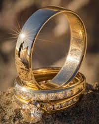 three card trick wedding band 5 photo ideas to show your wedding rings wedding
