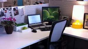 Work Desk Decoration Ideas Office Desk Decorations Best 25 Work Decor Ideas On Pinterest