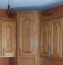 Crown Moulding For Kitchen Cabinets Contrasting Kitchen Cabinets With Crown Molding Kitchen