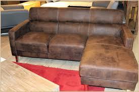 vieux canapé vieux canapé en cuir à vendre nettoyer un vieux canapé en cuir