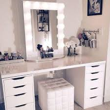 Bedroom Vanity Plans Best 25 Makeup Vanity Desk Ideas On Pinterest Vanity Tables