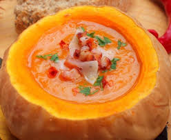 cuisiner citrouille soupe paysanne à la citrouille recette de soupe paysanne à la