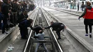 In Challenge Black Tuesday Strikes Cause Chaos On Railways In Challenge To
