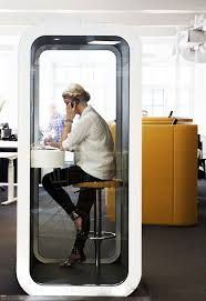 Free Office Furniture Nyc by 25 Best Office Furniture Ideas On Pinterest Office Table Design