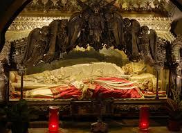 Catholic Home Decor Pope Calls Catholics To Venerate 1600 Year Old Skull U2013 News That