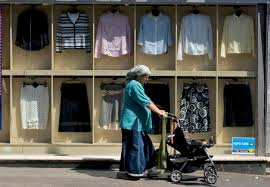 jerusalem charedi women supervising kashrut of clothing stores