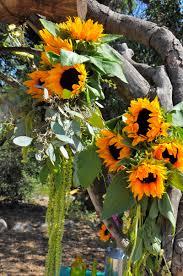Flower Duet - wedding arches flowerduet com