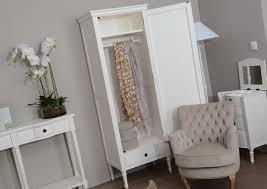 chambre bois blanc meubles blancs pour la chambre le grenier de juliette