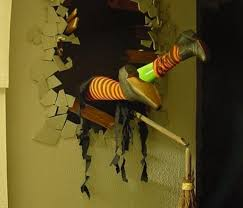 Last Minute Outdoor Halloween Decorations by Halloween Witch Decoration Outdoor Halloween Decoration Ideas