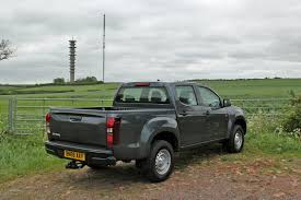 2017 ford ranger xlt double cab 4x4 review loaded 4x4 isuzu d max 1 9d 161ps double cab 4x4 road test parkers