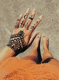 modern and artistic henna tattoos that you will want to have this