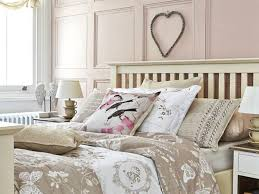 Shabby Chic Decorating Ideas Cheap by Top Shabby Chic Bedroom Idea