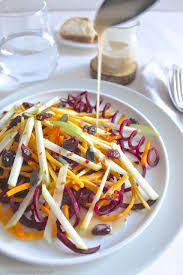 cuisiner betterave crue salade crue d automne de butternut betterave carotte pomme et