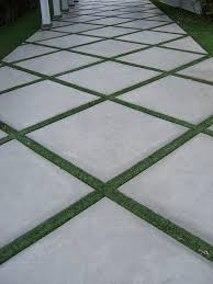 Cutting Patio Pavers Best 25 Concrete Pavers Ideas On Pinterest Outdoor Pavers