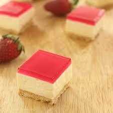 jelly slice cakecrumbs