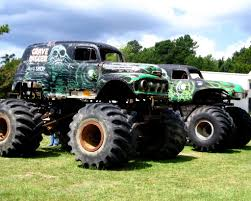 first grave digger monster truck gravedigger3 by gbraden by gbraden on deviantart