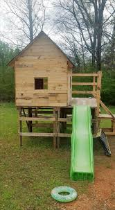 diy kids pallet playhouse