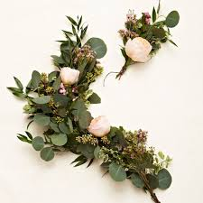 floral garland learn how to create your own gorgeous floral garlands leaves