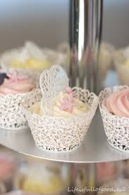 hochzeitstorte cupcakes cupcake hochzeitstorte is of goodies