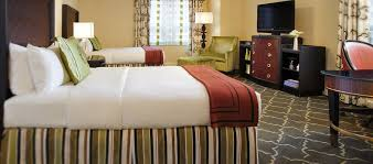 Two Bedroom Hotel Suites In Chicago Downtown Hotels In Chicago Il Palmer House Hilton Hotel
