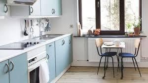 faire sa cuisine pas cher repeindre sa cuisine peinture pour meuble mur carrelage comment