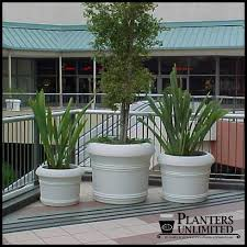 circular planters round fiberglass planters planters unlimited