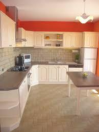 comment repeindre sa cuisine en bois repeindre meuble cuisine bois sa en inspirations et repeindre