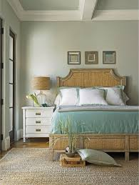 Tropical Bedroom Decorating Ideas by Tropical Bedroom Plan Using New Home Decorating Ideas With Beige