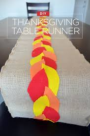 make a festive diy table runner for thanksgiving