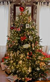 How To Trim A Real Christmas Tree - the