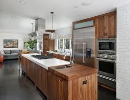 cuisine bois et inox cuisine rustique contemporaine 50 idées de meubles en bois