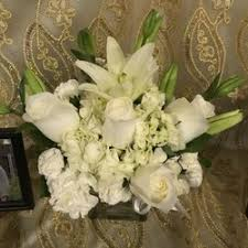 flower delivery fresno ca flowers more 27 photos 18 reviews florists 3042 w