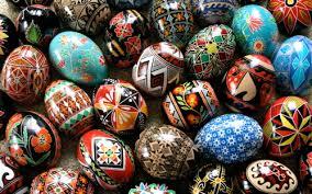 ukrainian decorated eggs pysanka ukrainian easter eggs korovai ukrainian wedding bread