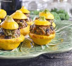 cuisiner le patisson mini pâtissons farcis à l agneau kale et couscous