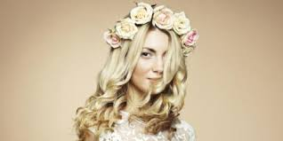 enjoy fresh flowers get the ornamental wedding hair of your
