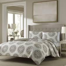 Zen Bedding Sets Cottage Medallion Reversible Quilt Set Overstock Shopping