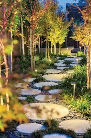 amenagement jardin moderne chemin de jardin en pas japonais u201310 idées d u0027aménagement