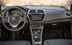 renault kadjar interior comparison suzuki s cross turbo prestige 2017 vs renault
