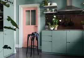 cuisine gris et vert cuisine gris et vert anis collection et cuisine colorae dacouvrez